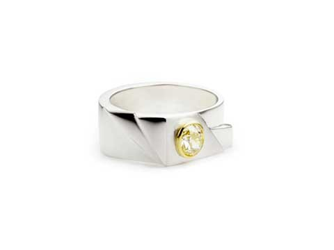 Late Art Deco design ring