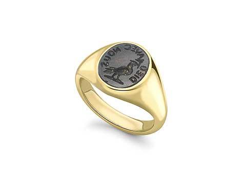Stone Signet Ring • 'Charley' • Emma Franklin, London Emma Stone