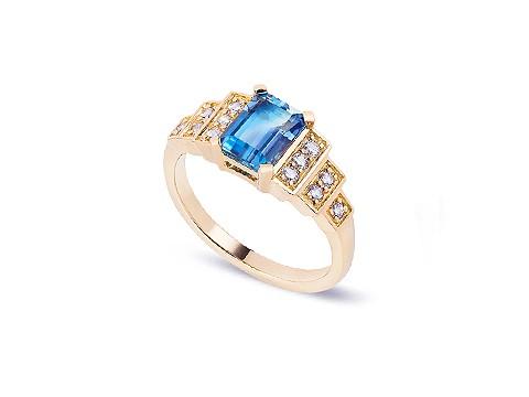 deep Aquamarine engagement ring
